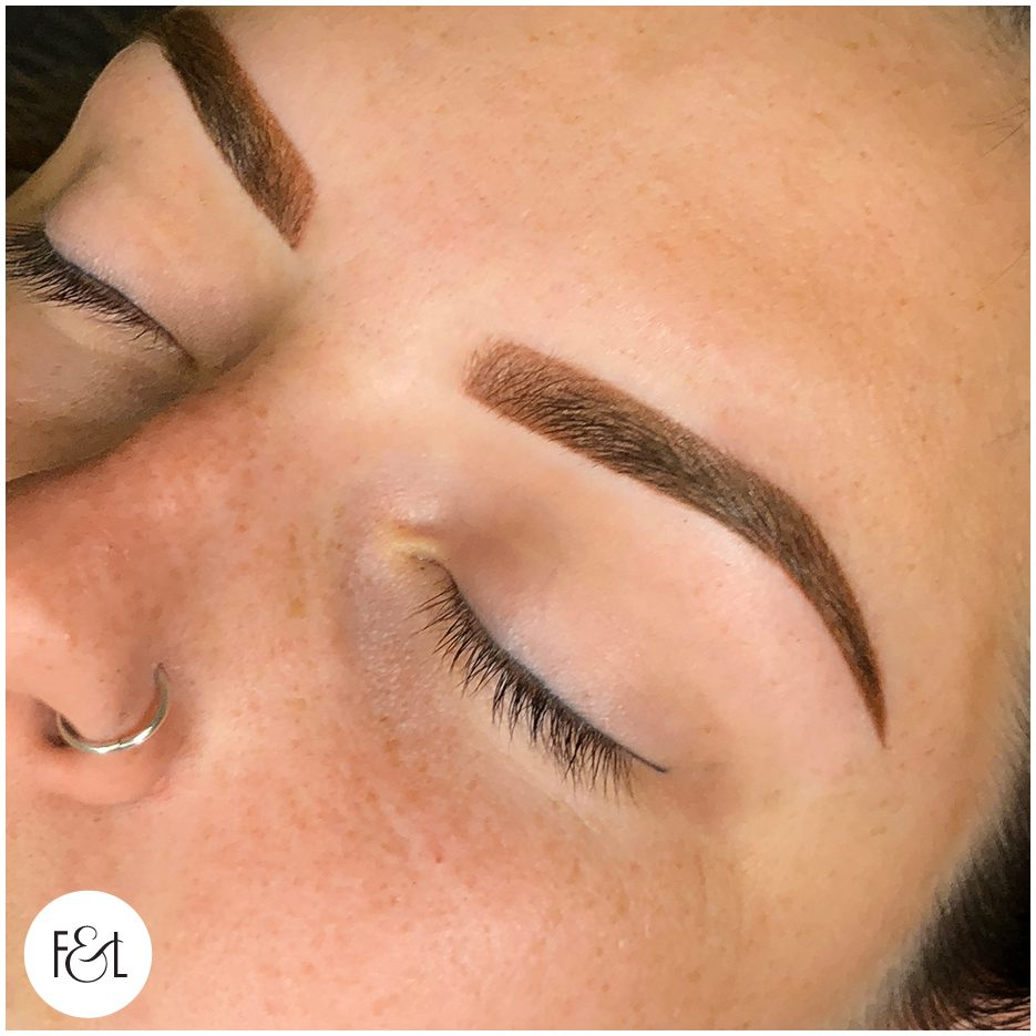 Ombré eyebrow tattoo directly after treatment.